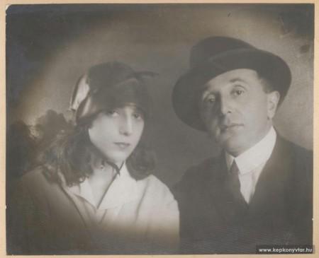 Szép Ernő volt. (forrás: http://www.kepkonyvtar.hu/?docId=28417)